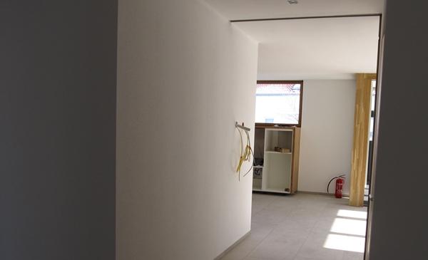 Blick in den Küchenbereich des Biosolarhauses